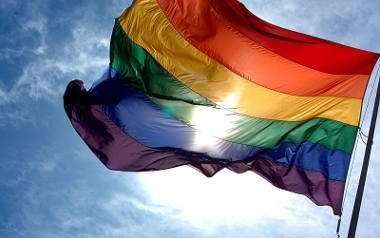 W Kolumbii zalegalizowano poliamoryczny związek trzech mężczyzn