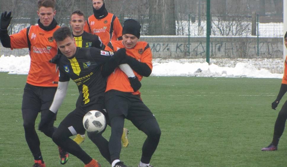 Film do artykułu: Siarka Tarnobrzeg i Stal Stalowa Wola rozegrają po dwa mecze kontrolne
