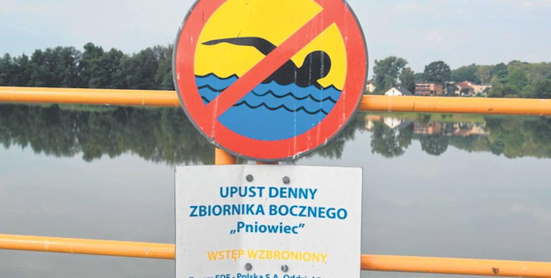 """Rybnicki Pniowiec to kąpielisko miejskie czy jedno wielkie """"szambo""""?"""