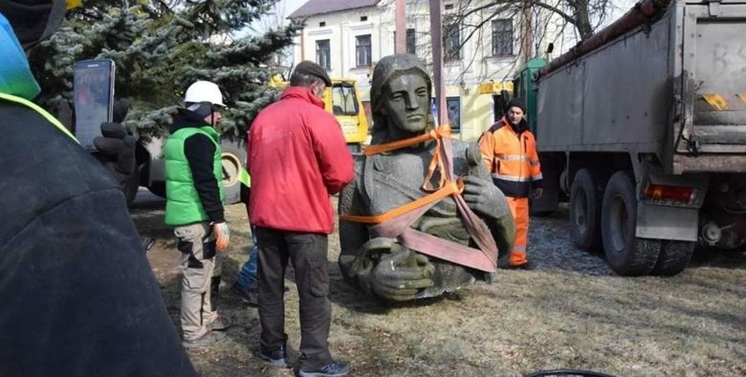 Kilka dni temu z Sejn zniknął dawny Pomnik Zwycięstwa, przemianowany w 1982 r. na Pomnik Matki Polki