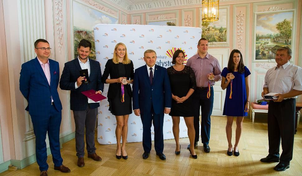 Film do artykułu: Prezydent Białegostoku uhonorował podlaskich lekkoatletów (zdjęcia, wideo)