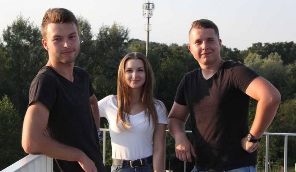 Film do artykułu: Trójka młodych krakowian wprowadza na rynek bransoletki, wykrywające pigułkę gwałtu
