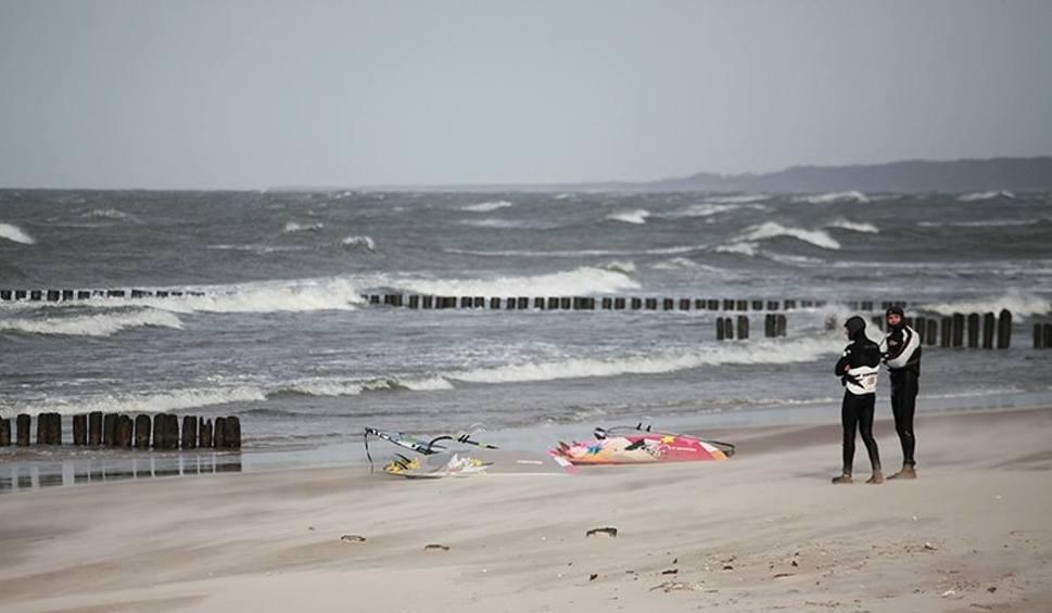 Film do artykułu: Pogoda nad morzem. Ostrzeżenie przed silnym wiatrem [KAMERKI, WIDEO, MAPY]