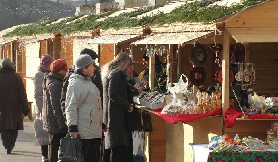 Film do artykułu: Rusza jarmark świąteczny. Utrudnienia w centrum Kielc