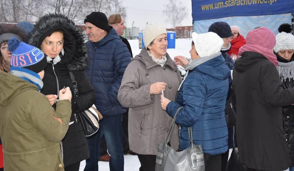 Film do artykułu: Tłumy Starachowiczan na Wigilii Miejskiej. Udany Jarmark Bożonarodzeniowy (DUŻO ZDJĘĆ)