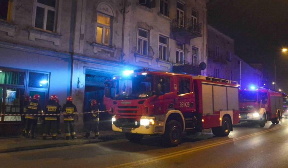 Film do artykułu: Tragedia we Włocławku. W wyniku pożaru zmarła kobieta [wideo]