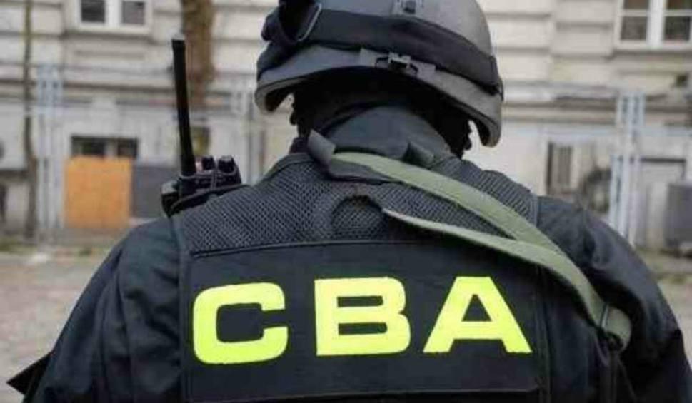 Były agent CBA reklamował swoje usługi. Chwalił się pracą przy sprawach Piniora i Gawłowskiego