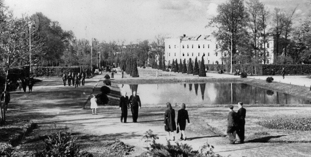 Budynki zajezdni tramwajowej rozebrano w 1935 r., w czasie budowy i urządzania białostockich plant