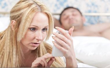 Dylematy Agaty: Mój były mąż mnie nęka. Co mam robić?