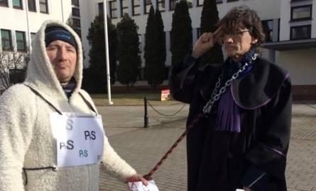 Protest przed sądem w Koszalinie