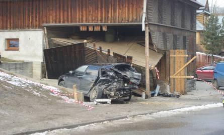 Podhale: Pijany kierowca wjechał... w środek domu