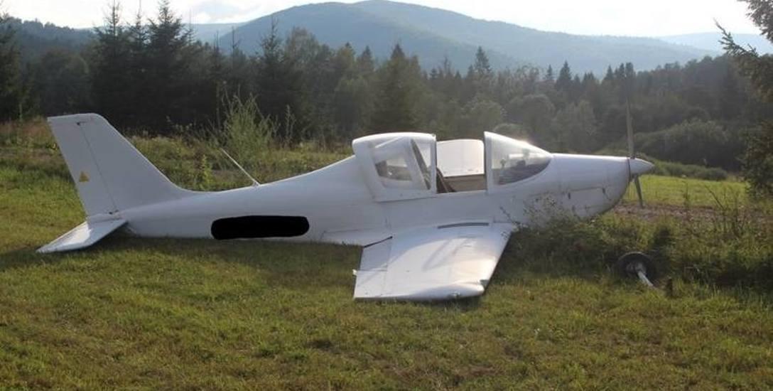 43-letni mieszkaniec woj. łódzkiego przyleciał w Bieszczady swoim dwuosobowym ultralekkim samolotem Tecnam Sierra. Krótki przelot nad górami miał być