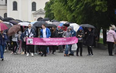Częstochowa. Marsz Różowej wstążki