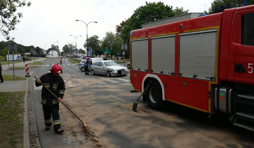 Film do artykułu: Wypadek w samym centrum Szczecinka [zdjęcia]
