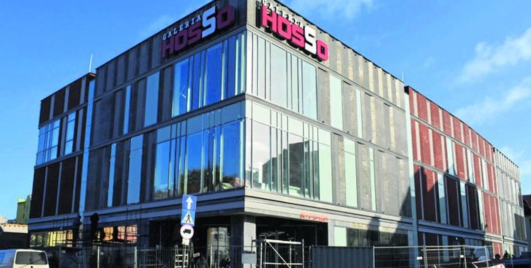 Na ulicy Wojska Polskiego 28 - pod tym adresem powstaje nowa galeria Hosso - trwają  ostatnie prace wykończeniowe.