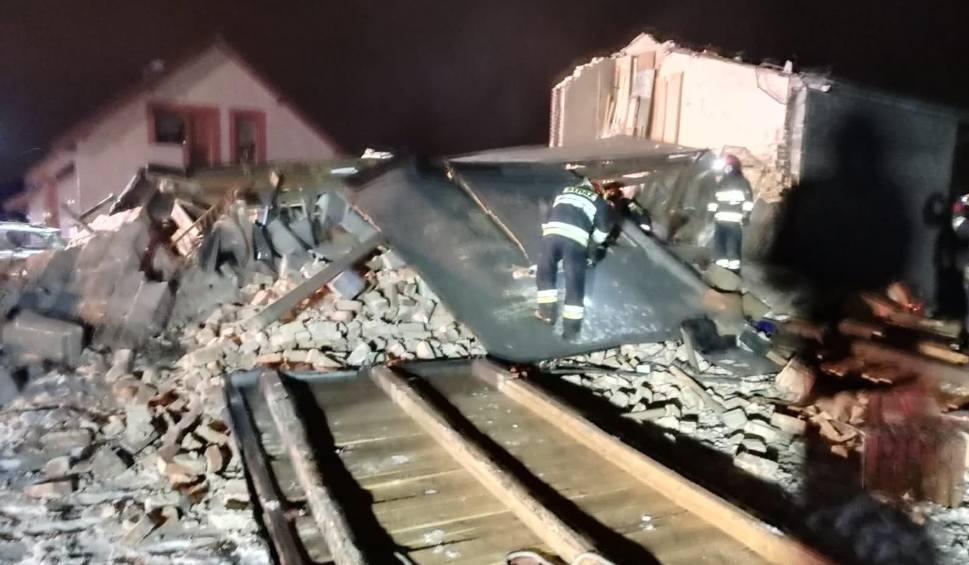 Film do artykułu: Wybuch gazu w Szczerbicach: pod gruzami zginął 53-letni mężczyzna ZDJĘCIA