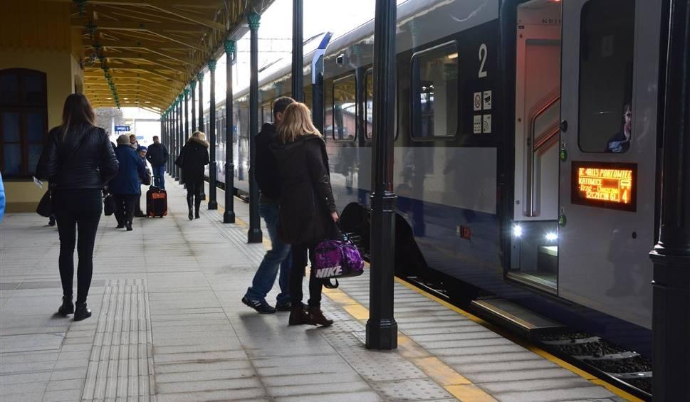 Film do artykułu: Dworzec kolejowy w Piotrkowie Trybunalskim. Peron pierwszy otwarty [ZDJĘCIA]