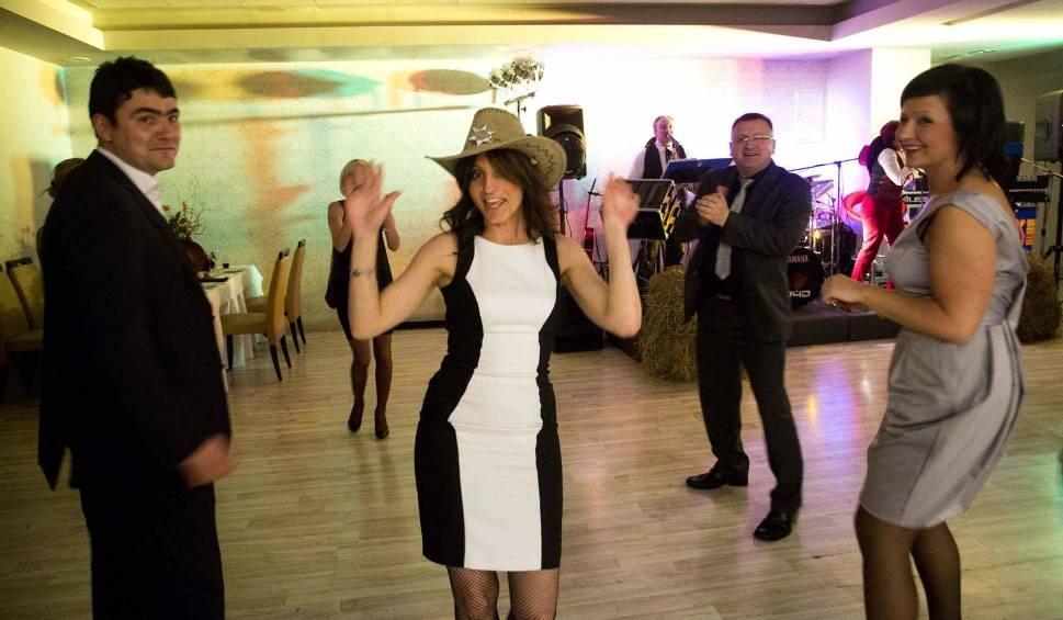Film do artykułu: [WIDEO] Sylwester 2013/14 w hotelu Aviator w Radomiu. Zaśpiewała Paula (zdjęcia)