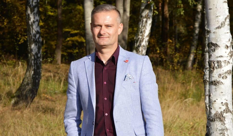 Film do artykułu: Nowa twarz skarżyskiej Lewicy - Artur Pejas, kandydat na prezydenta miasta o sobie i planach na rozwój Skarżyska