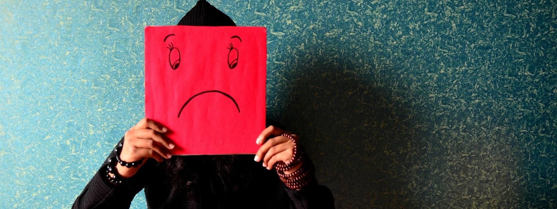 Blue Monday przypada w 2019 roku 21 stycznia. Jest to najbardziej depresyjny dzień w roku. Ale co to właściwie oznacza Blue Monday?