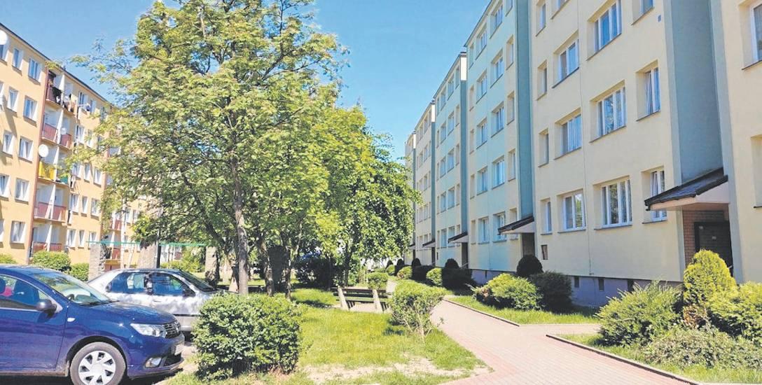 """Spółdzielnia Mieszkaniowa """"Korab"""" jest obecnie największą spółdzielnią  mieszkaniową z działających na terenie Ustki."""