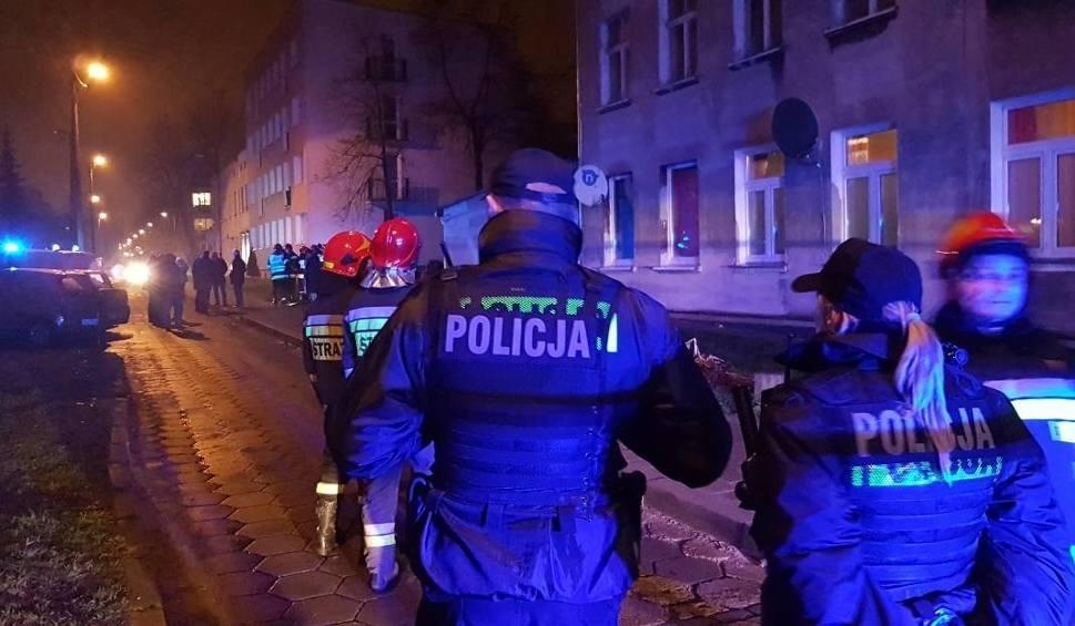 Film do artykułu: Odpowiedzą za wybuch w Łodzi, który zranił czworo policjantów i strażaków