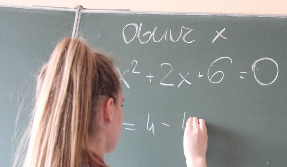 Film do artykułu: Nauczyciele z powiatu lipnowskiego będą strajkować. Tak wynika z referendów