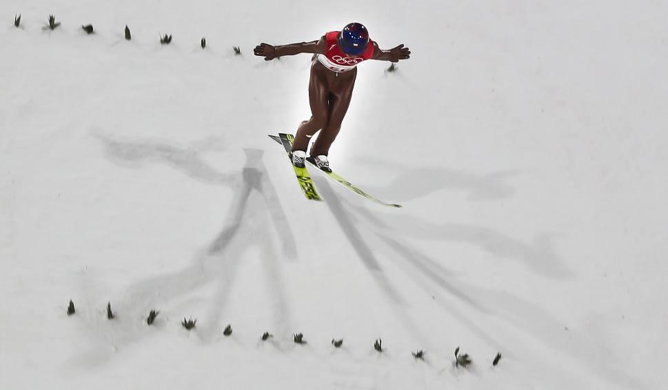 Film do artykułu: Skoki narciarskie na żywo. 13.01.2019 PŚ Predazzo [GDZIE OBEJRZEĆ TRANSMISJA TV INTERNET ONLINE LIVESTREAM KIEDY GODZINA GDZIE ZOBACZYĆ]