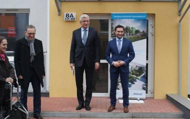 Jacek Jaśkowiak i Tomasz Lewandowski chętnie wręczają klucze do nowych mieszkań. Ile ich powstanie do 2024 roku?