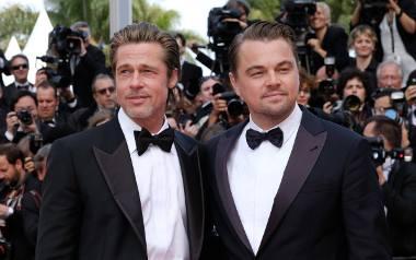 """Zdjęcie z premiery filmu """"Pewnego razu w... Hollywood"""" na festiwalu w Cannes 2019. Nz. Brad Pitt i Leonardo DiCaprio"""