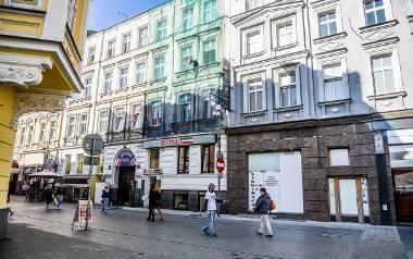 Prace budowlane w kamienicy przy ul. Półwiejskiej 24 ruszyły na początku 2014 roku