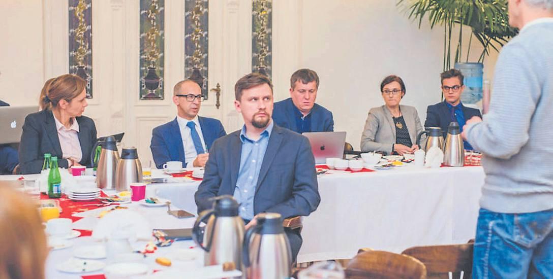 Spotkanie zorganizowane przez GZM oraz Instytut Innowacji i Odpowiedzialnego Rozwoju było kolejnym krokiem przybliżającym wdrożenie programu CEDD na