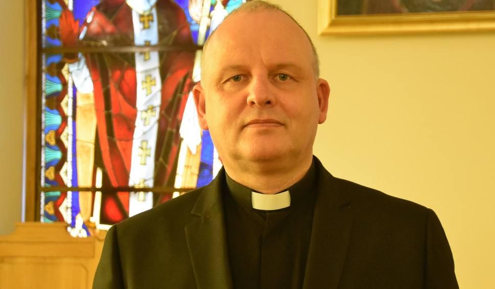 Film do artykułu: Ksiądz Krzysztof Banasik: - Oby te Święta Wielkanocne były pełne nadziei, wlały w serca otuchę i pokój [ZDJĘCIA]