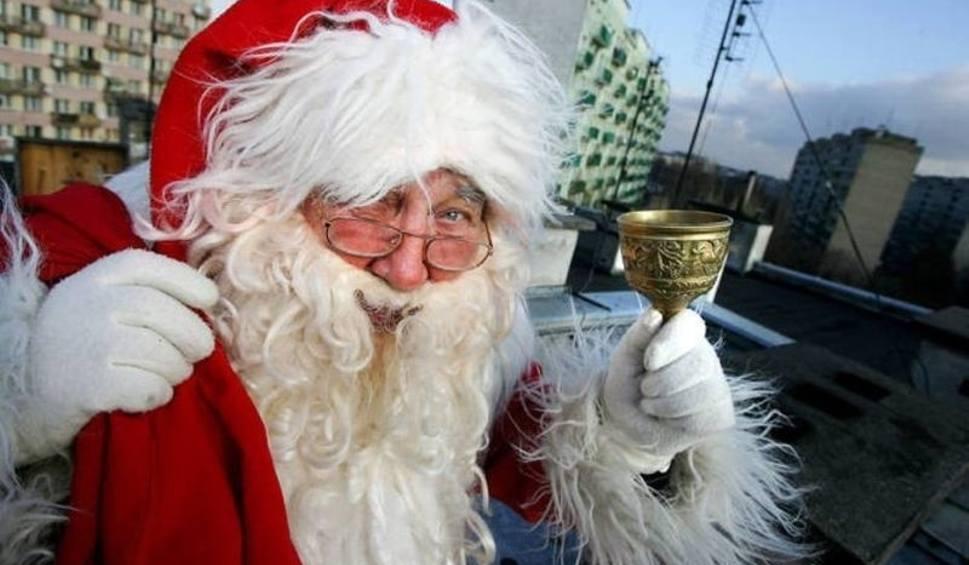 Film do artykułu: Wierszyki na święta, piękne krótkie wierszyki świąteczne do wysłania SMS. Szukasz wierszyka na święta? Zobacz, co przygotowaliśmy