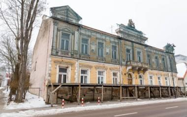 Nowy właściciel musi wyremontować budynek w ciągu pięciu lat. Inaczej miasto będzie mogło obiekt odkupić.