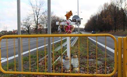 Tak wygląda przejście dla pieszych przez DK 44 przy ul. Staropodleskiej rok od tragedii.