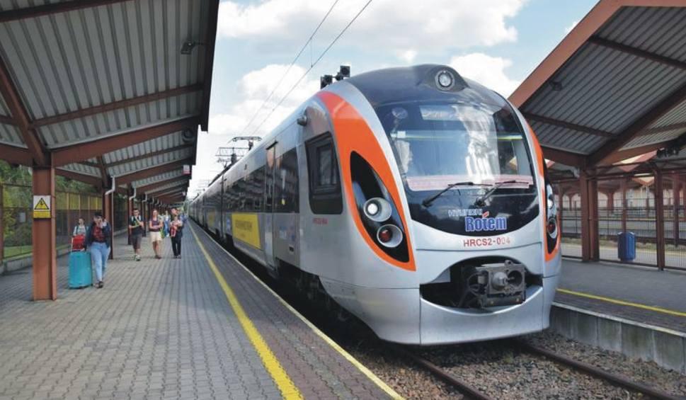 Film do artykułu: Setki tysięcy pasażerów skorzystało już z kolejowego, bezpośredniego połączenia Przemyśla z Kijowem. Ten milionowy ma się pojawić w sobotę