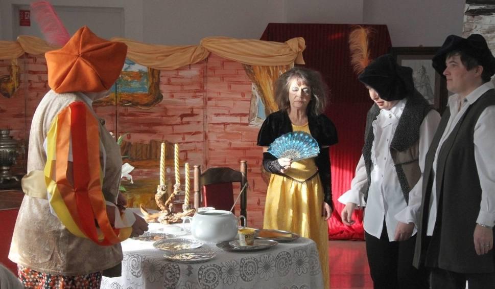 """Film do artykułu: """"Poskromienie złośnicy"""" - spektakl w kieleckim Domu Pomocy Społecznej (WIDEO, ZDJĘCIA)"""