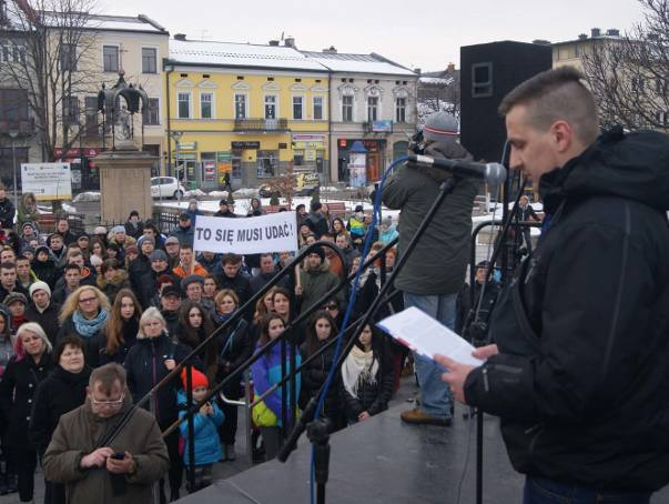 Manifestacja w Nowym Targu. Oburzeni niskim wyrokiem dla mordercy Andrzeja Krzysztofiaka