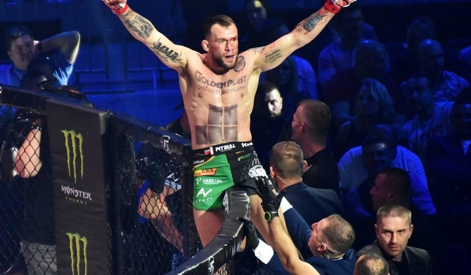 Film do artykułu: KSW 52: Khalidov vs Askham MMA w hali Arena Gliwice. POWTÓRKA + ZDJĘCIA Wszystkie walki PPV LIVE ONLINE [8. 12. 2019 r.]