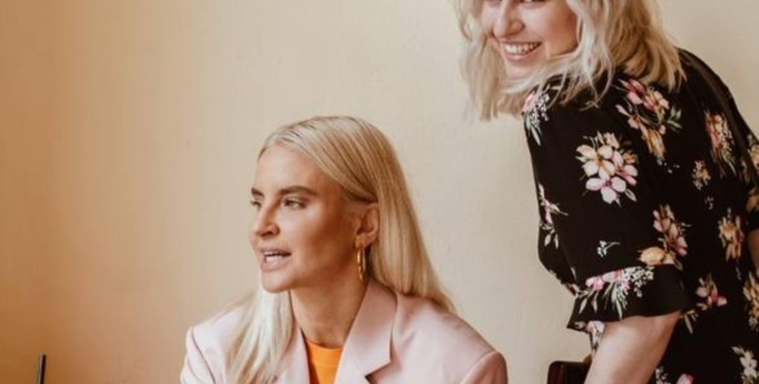 Natalia Hołownia (z prawej) urodziła się 33 lata temu w Łomży, ukończyła I LO im. Tadeusza Kościuszki w Łomży, studiowała iberystykę w Warszawie oraz