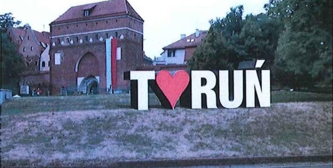 """Napis """"Toruń"""" przesądzony, wiemy gdzie! To miejsce wybrali urzędnicy. Pracują jeszcze nad formą i zapowiadają konsultacje z mieszkańcami"""