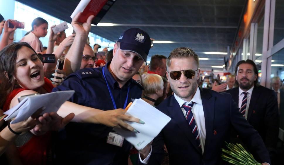 Film do artykułu: Powrót polskich piłkarzy do kraju. Brakowało tylko medalu [WIDEO]
