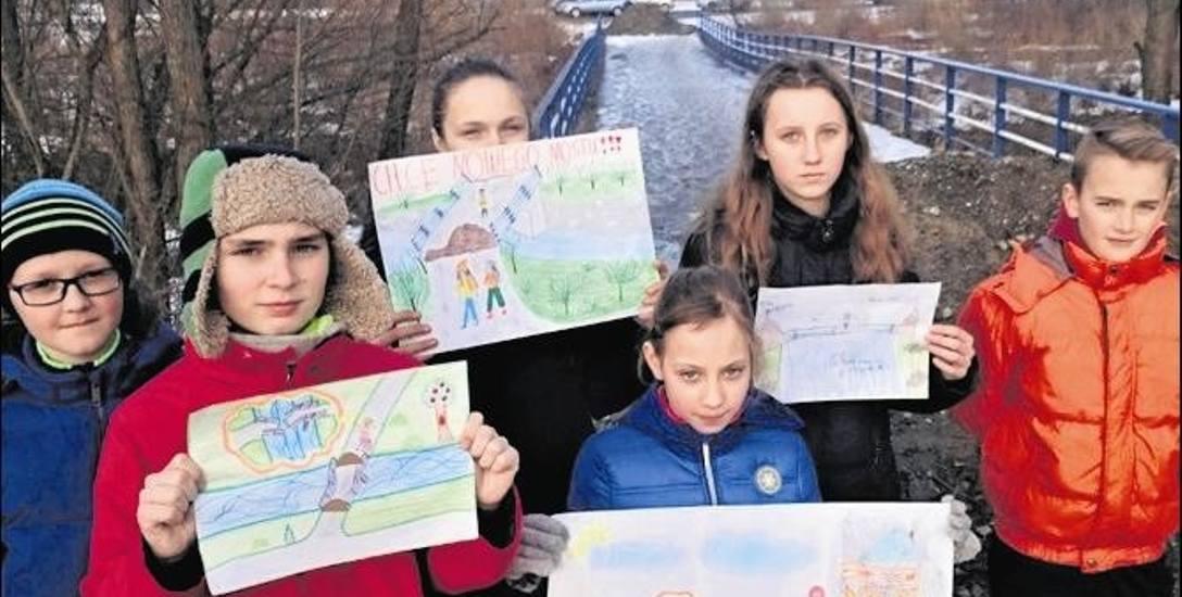 Dzieci z Łososiny narysowały niebezpieczne zdarzenia na moście