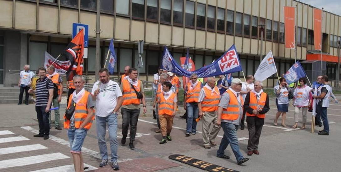 ArcelorMittal: Postój jest tymczasowy. Nie stracicie pracy