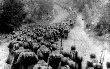 """W historiografii radzieckiej nazwa napaści na Polskę brzmiała: """"Kampania wyzwoleńcza Armii Czerwonej""""."""