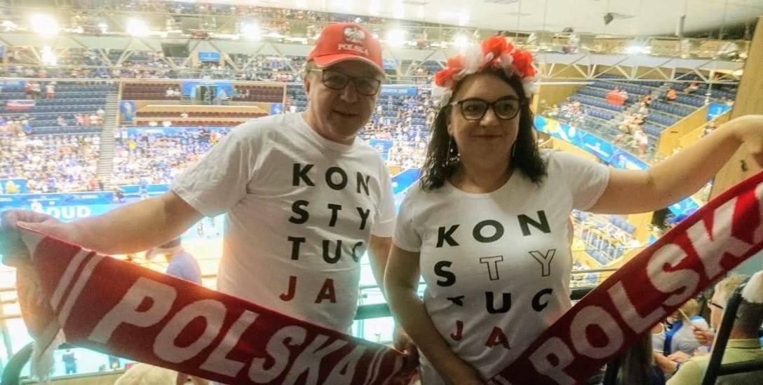 Ewa i Mirosław Pokorscy sponsorują żużel, ale kibicują też polskim siatkarzom