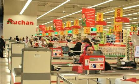 Auchan rozda bony na zakupy za świadectwo z czerwonym paskiem
