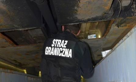 Białorusin w garażu przechowywał kontrabandę