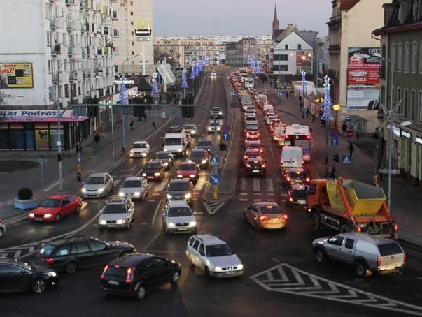 Jakich samochodów mogą dotyczyć nowe zakazy wjazdu? Według wstępnego projektu, który już przed kilkoma laty powstał w ministerstwie, samochody byłyby